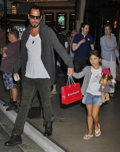 Chris Cornell. he looks like a awesome dad. dilf!