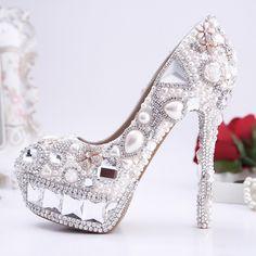 chaussures de mariée splendide princesse à talon aiguille escarpins pas cher incrustées perles brillantes et strass