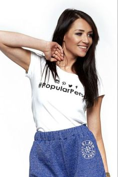 Μπλούζα κοντομάνικη με λογότυπο Popular Person - 'Ασπρο Crop Tops, T Shirt, Women, Fashion, Moda, Tee Shirt, Fashion Styles, Fashion Illustrations, Cropped Tops
