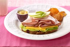 Turkey & Apple Sandwich | #deli #turkey #apple #JennieO | https://www.jennieo.com/recipes/580-Turkey-and-Apple-Sandwich