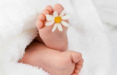 18 Ridiculously Easy DIY Newborn Photos I Wish I'd Taken