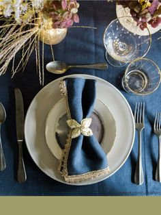 35 Festive Tablescapes and Table Decorating Ideas from Terrain
