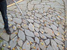 Leaves pavers walkway