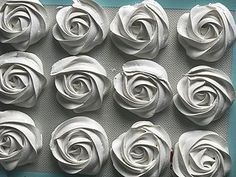 VANILLA MERINGUES ROSES