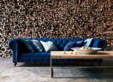 Avec Collections Privilèges, inspirez vous de Ralph Lauen Home, et recouvrez votre canapé d'un beau velours, un camaïeux de coussins, l'ensemble installé le long d'un mur en relief...