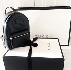 Besides your outfit, your choice of a Gucci Black Purse is always a a nice accent and will complete the stylish look. Gucci Handbags, Luxury Handbags, Purses And Handbags, Gucci Bags, Gucci Purses, Handbags Online, Replica Handbags, Backpack Purse, Leather Backpack