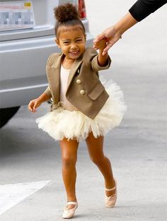 Kim Kardashian West and Kanye West's bub North West is leading the baby tutu trend with her on-point skirts (she also wore one as a flower girl at a recent Fashion Kids, Look Fashion, Kanye West, Kim Kardashian, North West Kardashian, Familia Kardashian, Kardashian Fashion, Kardashian Photos, Balmain Blazer