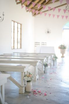 Cranford chapel interior © Laura Jansen Life Pictures, Real Life, Our Wedding, Table Decorations, My Favorite Things, Country, Board, Interior, Ideas