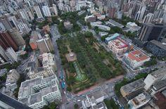 Foto panorâmica da Praça da Liberdade