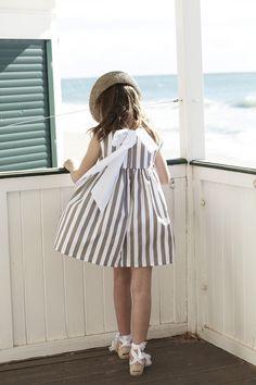 pepitobychus colección primavera-verano 2014 #moda #infantil #niños #niñas Cute Outfits For Kids, Toddler Girl Outfits, Little Girl Dresses, Girls Dresses, Little Girl Fashion, Kids Fashion, School Uniform Fashion, Dress Up Outfits, Cute Little Girls