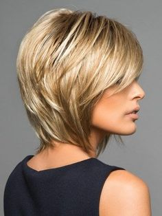 Classic Brunette Balayage - 20 Inspirational Long Choppy Bob Hairstyles - The Trending Hairstyle Frontal Hairstyles, Layered Bob Hairstyles, Short Hair With Layers, Short Hair Cuts, Medium Short Haircuts, Medium Hair Styles, Curly Hair Styles, Blonde Wig, Dark Blonde