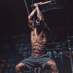 The_Body_Building_Cage For Fitness Lovers Planet Fitness Workout, Fitness Man, Mens Fitness Model, Male Fitness Motivation, Fitness Style, Fitness Workouts, Bodybuilder, Fun Workouts, At Home Workouts