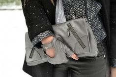 Find images and videos about girl, fashion and bag on We Heart It - the app to get lost in what you love. Grey Fashion, Winter Fashion, Womens Fashion, Cluch Bag, We Heart It, Alexander Mcqueen Clutch, Grey Gloves, What To Wear Today, Bags