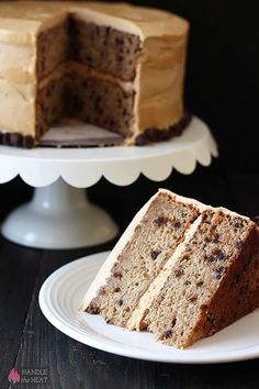 Bursting with sweet flavors, Banana Chocolate Chip Cake with Peanut Butter Frosting is a huge crowd-pleaser and better than any store-bought cake. Köstliche Desserts, Delicious Desserts, Dessert Recipes, Frosting Recipes, Cake Recipes, Cupcakes, Cupcake Cakes, Peanut Butter Frosting, Peanut Butter Recipes