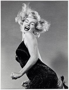 Marilyn Monroe, Jumping, 1959