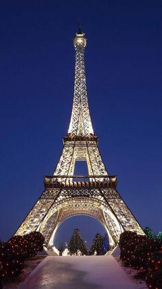 If the Tour Eiffel is the image of Paris, the Cathédrale de Notre-Dame de Pari. - If the Tour Eiffel is the image of Paris, the Cathédrale de Notre-Dame de Pari. Eiffel Tower Photography, Paris Photography, Paris Images, Paris Pictures, Beautiful Paris, Paris Love, Paris Paris, Paris Travel, France Travel
