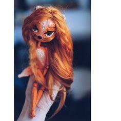 Новая лисичка-сестричка  Заказ.  Сделано с любовью , для того чтобы влюбиться с первого взгляда ____________________,,,^._.^,,,_____________________  #кукла #кукларучнойработы #рукоделие #amigurumi #doll #dollmaking #crochet #crochettoy #toys #crocheting #ручнаяработа #хендмейд #handmade #maker #handcrafted #craft #crafty #амигуруми #куклакаркас #амигурумикукла #шарнирнаякукла #шарнирка #bolljointeddoll #mira_loves_dolls