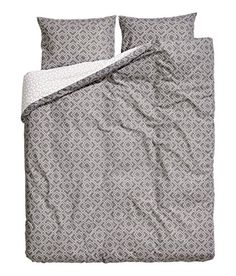 #2017 Lightweight 100% cotton duvet cover and pillow shams set with a modern charcoal gray and white #geometric print. Machine washable, imported