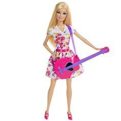 Esta Barbie da linha profissões está pronta para alcançar seu sonho de se tornar uma Cantora! Esta estrela do rock usa um vestido florido e carrega sua guitarra rosa, sempre pronta para impressionar seus fãs.  As meninas vão adorar!