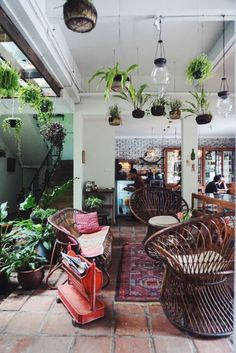 Decoration Trends Modern Bohemian Home Deco Boheme, Interior Exterior, Bohemian Decor, Modern Bohemian, Bali Decor, Bohemian Interior, Bohemian Living, Bohemian Style, Indoor Plants