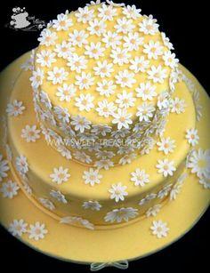 Sweet daisy cake