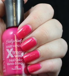 Holly and Polish: Sally Hansen Xtreme Wear Pink Punch