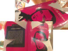 Miriam Rodrigues. Porto (Portugal). Intervíu o libro: O arco de Santana, de Alemida Garrett, transformado nunha bonita bolboreta. Membro do grupo de gravado Inkprint Group de Porto http://inkprintgroup.blogspot.pt/