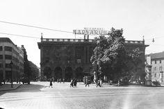 1951, Blaha Lujza tér, a Corvin áruház BUDAPEST álnéven