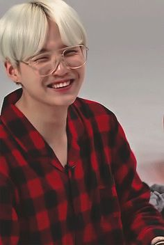 [ completed ] She found an abandon cat and took it in and then it magically turned into a human! - Yoongi x OC Suga Suga, Suga Gif, Min Yoongi Bts, Min Suga, Vlive Bts, Agust, Min Yoonji, Best Rapper, Bts Face