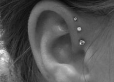 Triple Forward Helix Piercing... I will get this!