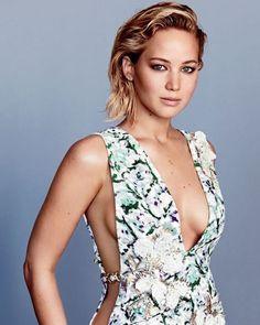 Jennifer Lawrence looking hot 🔥 🔥 🔥