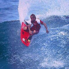 Kyle Maligro, one of the most versatile and complete bodyboarder of all times @kylemaligro Unknown❓#style #control #versatile #legend #respect #classicbodyboarding #bodyboard #bodyboarding #bodyboardingvintage #bodyboardhistory #dropknee #dk #dk4life #dkman #dkpower #vintageboog #kauaiclassic #kauai