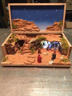 Christmas Crib Ideas, Christmas Tree Art, Christmas Nativity Scene, Christmas Projects, Christmas Themes, Christmas Village Sets, Diy Nativity, Diy Wreath, Xmas Decorations