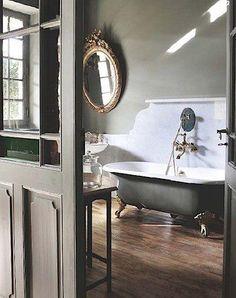 The bath tub. Beautiful bathroom but i just want the bath tub! Bad Inspiration, Bathroom Inspiration, Home Interior, Bathroom Interior, Design Bathroom, Attic Bathroom, Bathroom Layout, Bath Design, Bathroom Remodeling
