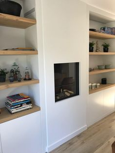 Lifs interieuradvies & styling www. Fireplace Built Ins, Bookshelves Built In, Alcove Storage Living Room, Sage Living Room, Living Room Decor Fireplace, Regal Design, Simple Furniture, Front Rooms, Cottage Interiors