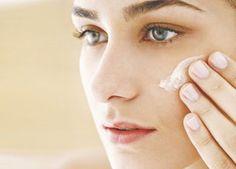 Cuidado com a hidroquinona! Ela é clareadora de manchas na pele e os resultados são surpreendentes. Conheça os efeitos e como usar.