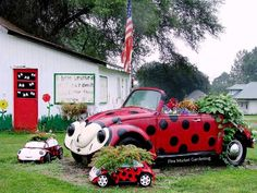 Create a ladybug garden… Seeing Spots? Ladybugs are a hugely popular item to collect for garden ornaments and this cluster of ladybugs is so charming that heads turn whenever driving through … Lawn Ornaments, Garden Ornaments, Ladybug Garden, Ladybug Art, Garden Bugs, Flea Market Gardening, Garden Whimsy, Love Bugs, Lady Bug