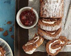 Kääretorttu onnistuu kokemattomaltakin leipurilta. Food Inspiration, French Toast, Pancakes, Baking, Breakfast, Desserts, Recipes, Kitchen, Kite