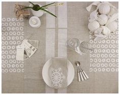 Linen Table runner - fully handcrafted - celina mancurti - eco-friendly - sustainable product