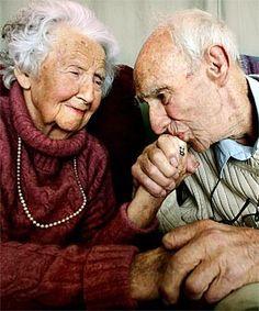 Older couple in love    My Dandeliontea via Elsie Perez onto ♥ Loving The Elderly ♥