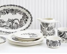 "Arabia novelty-piilopaikka ""hiding place"" by Piia Keto Finland Hiding Places, Finland, Dinnerware, Table Settings, Shabby Chic, Porcelain, Indoor, Plates, Ceramics"