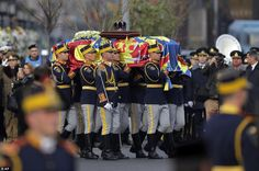 Honor guard soldiers carry the coffin of the late Romanian King Michael during the funeral ceremony outside the former royal palace in Bucharest Michael I Of Romania, Romanian Royal Family, Funeral Ceremony, Honor Guard, Royal Engagement, Prince Charles, Respect, The Outsiders, Royalty