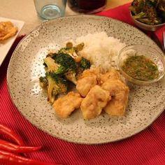 Krispig thaikyckling med ris och dippsås - Recept från Mitt kök - Mitt Kök