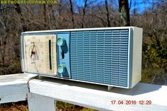 SLATE BLUE Mid Century Antique Retro Vintage 1963 RCA Victor Model RGS19A AM/FM Tube Clock Radio Works Great!