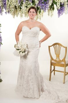 Clearance wedding dress (vintage uk - plus size wedding dress – ballgown divas beverley Chiffon Wedding Gowns, Plus Size Wedding Gowns, Tea Length Wedding Dress, Different Wedding Dresses, Wedding Dress Styles, Bridal Dresses, Plus Size Brides, Stylish Dresses, Divas