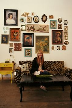 What a great wall! From Kirsten Grove's blog Simply Grove. I guess the photo is from her home.
