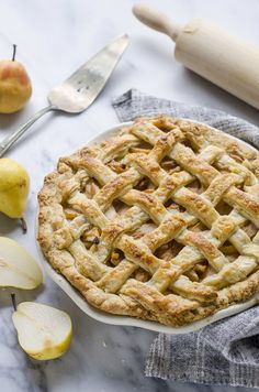 Spiced Pear Pie Recipe for Fall or Thanksgiving - Buttered Side Up Donut Recipes, Tart Recipes, Sweets Recipes, Traditional Thanksgiving Dinner Menu, Thanksgiving Menu, Pear Pie, Sourdough Recipes, Sourdough Bread, Spiced Pear