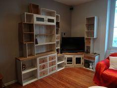 Bibliothèque palettes et caisses à vin
