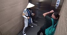 After the success of his Mortal Kombat elevator prank, FouseyTube decided to do a sequel! Watch what happens in Round 2 of his funny elevator prank! Mortal Kombat, Prank Videos, Videos Funny, I Smile, Make Me Smile, Gamer Couple, Tarzan And Jane, Scary Gif, Awkward Family Photos