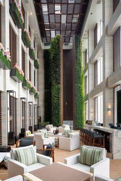 W Guangzhou Hotel & Residences, China designed by Rocco Design Architects Limited, Interiror by Yabu Pushelberg